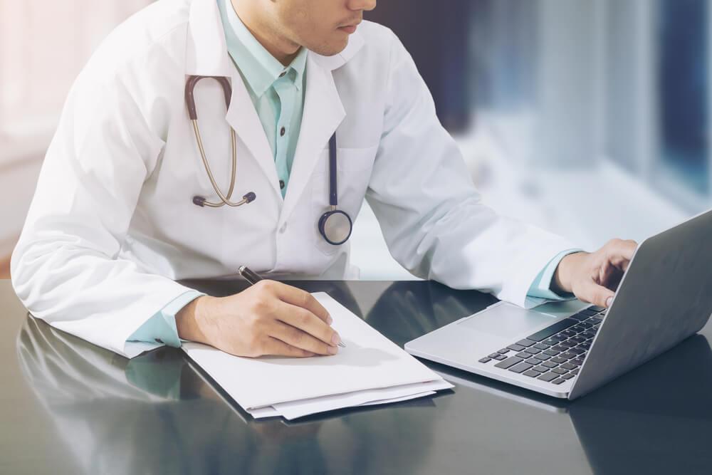 هل يؤثر كاتب محتوى طبي في تحسين محركات البحث؟